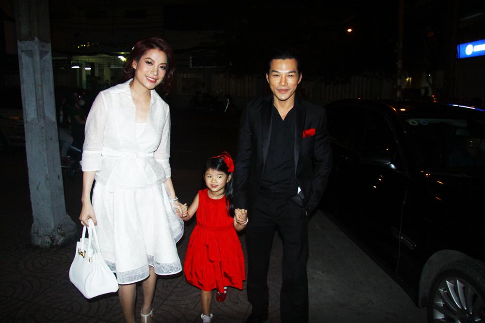 Phong cách thời trang ăn ý của cặp đôi Trương Ngọc Ánh - Trần Bảo Sơn 11