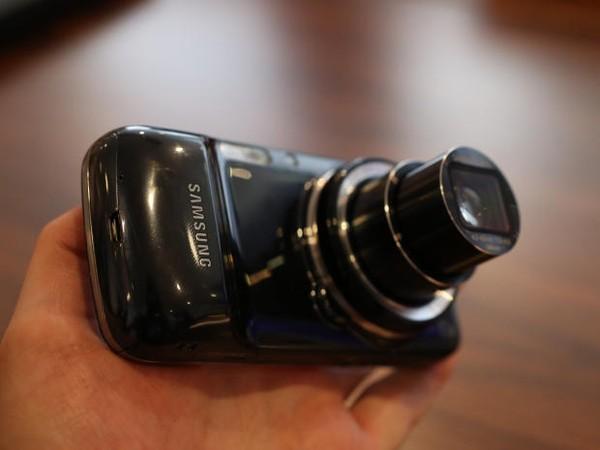 Ảnh chụp của Samsung Galaxy S5 Zoom bị rò rỉ 2