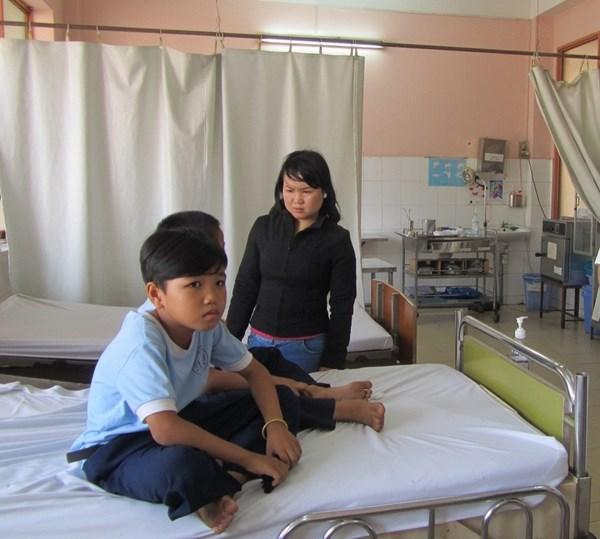 Gần 100 học sinh tiểu học nhập viện vì ngộ độc thực phẩm 4