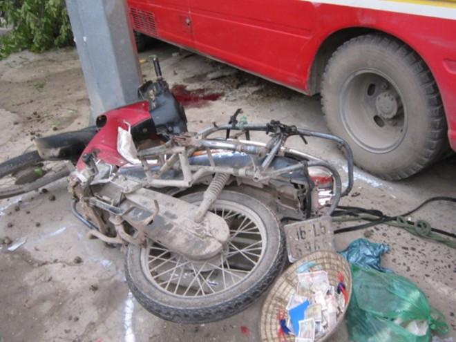 Hiện trường vụ tai nạn 2 người chết ở Thanh Hóa 7