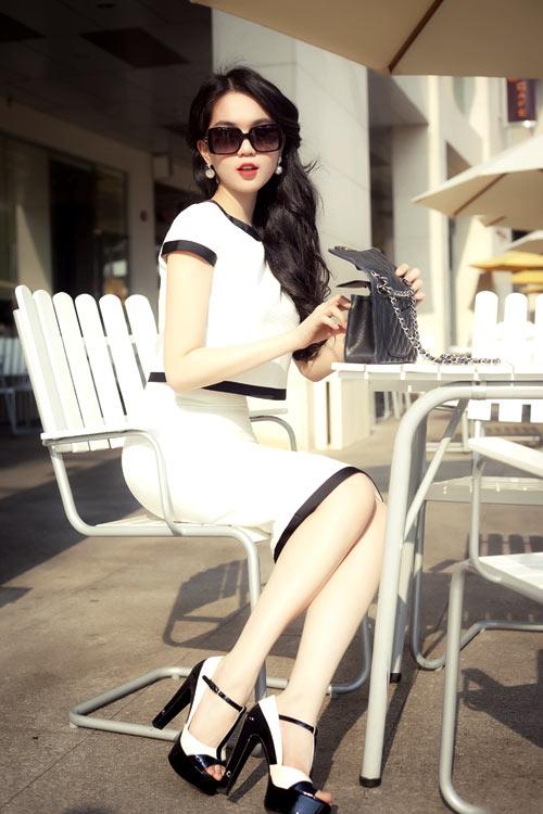Ngọc Trinh - Angela Phương Trinh gợi ý mẫu váy hè gợi cảm 17