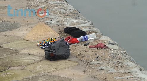 Bản tin 113 – chiều 19/4: Thi thể người phụ nữ nổi ở hồ Linh Đàm... 5