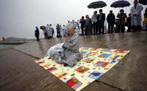 Hàn Quốc tang thương sau thảm họa chìm phà 5