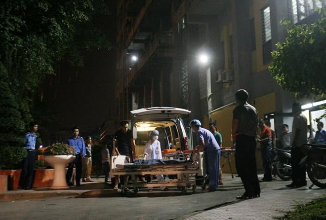 Bé 8 tuổi chết bất thường, người nhà vây BV Nhi Trung ương 5
