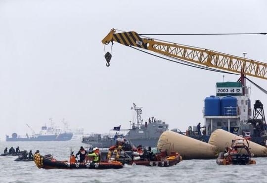 Chìm phà Hàn Quốc: Cậu học sinh gọi điện kêu cứu đầu tiên 4