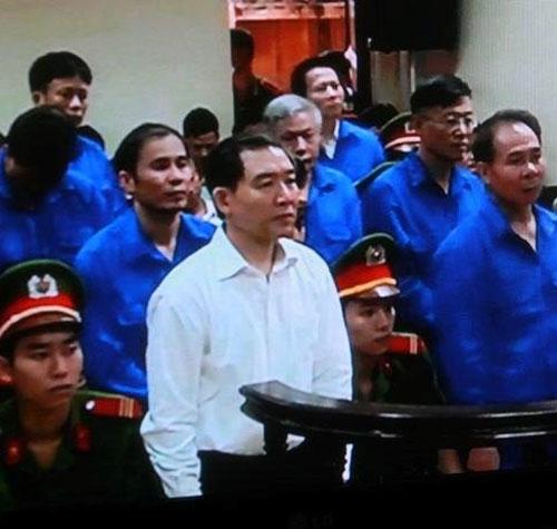 Hình ảnh mới nhất về phiên xét xử phúc thẩm Dương Chí Dũng 4