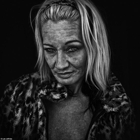 Ám ảnh nét buồn của gái mại dâm, và những con nghiện