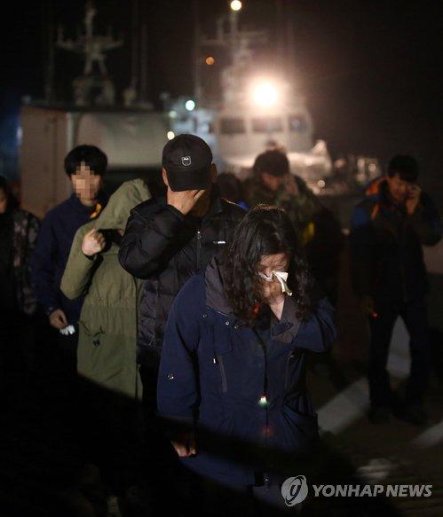 Chìm phà Sewol: Số người chết đã là 150, hết hy vọng có người sống sót 7