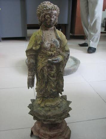 Đang làm đường, phát hiện hàng loạt tượng Phật cổ bằng đồng 7