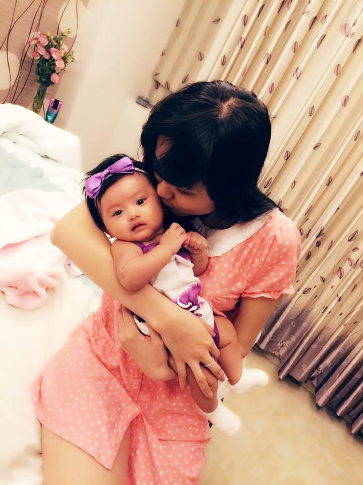 Hoa hậu Diễm Hương tái xuất khoe ảnh đời thường vui vẻ sau scandal 7