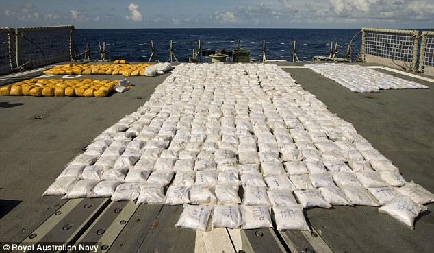 Hải quân Australia thu giữ hơn 1 tấn heroin trên biển 6