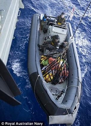 Hải quân Australia thu giữ hơn 1 tấn heroin trên biển 8