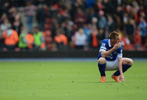 """Ghi 2 bàn vào lưới nhà, Everton """"tự sát"""" trên đường đua với Arsenal 4"""