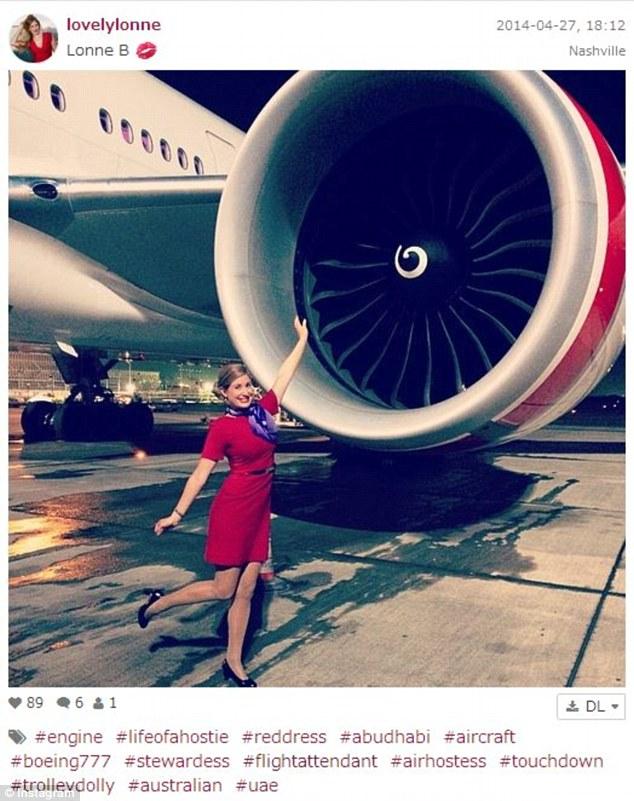 Trào lưu nữ tiếp viên hàng không khoe hình
