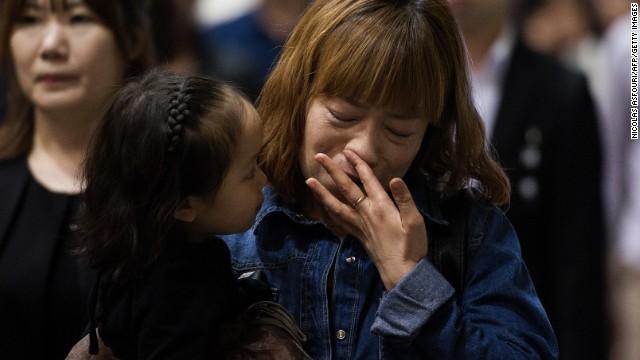 Video: Khung cảnh hỗn loạn khi phà Sewol bắt đầu nghiêng 6