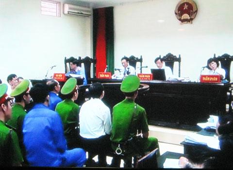 Xét xử Dương Chí Dũng: HĐXX công bố tài liệu mới, luật sư phản đối 5