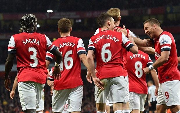 Arsenal 3-0 Newcastle: Arsenal đã có một nửa vé dự Champions League 5