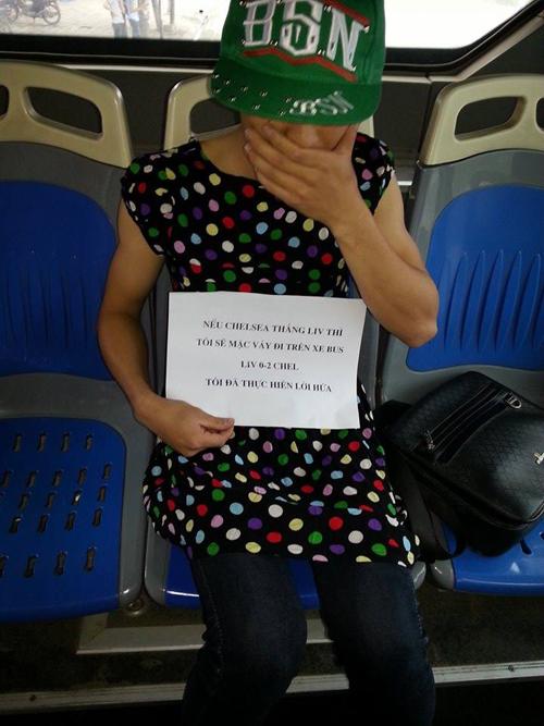 Chàng trai Việt mặc váy đi xe buýt sợ bạn gái nghi ngờ về giới tính 6