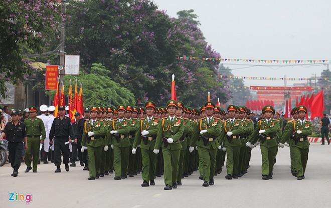 Sơ duyệt diễu binh Điện Biên Phủ ngoài đường phố 15