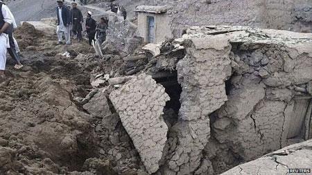 Núi sập ở Afghanistan khiến 350 người thiệt mạng 5