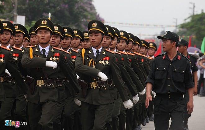 Sơ duyệt diễu binh Điện Biên Phủ ngoài đường phố 14