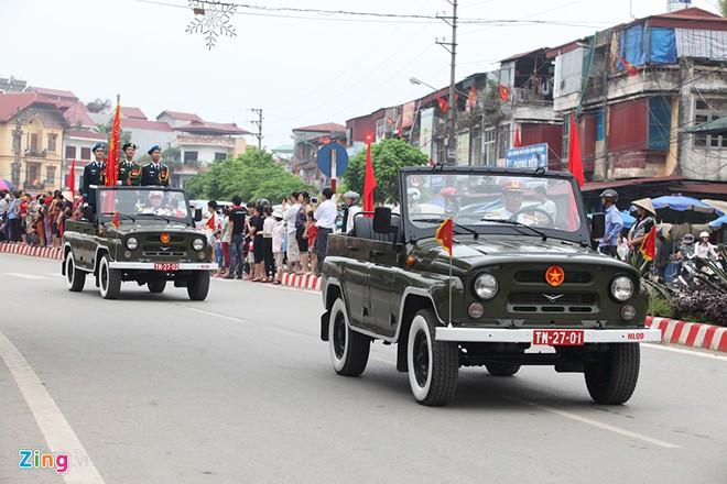 Sơ duyệt diễu binh Điện Biên Phủ ngoài đường phố 7