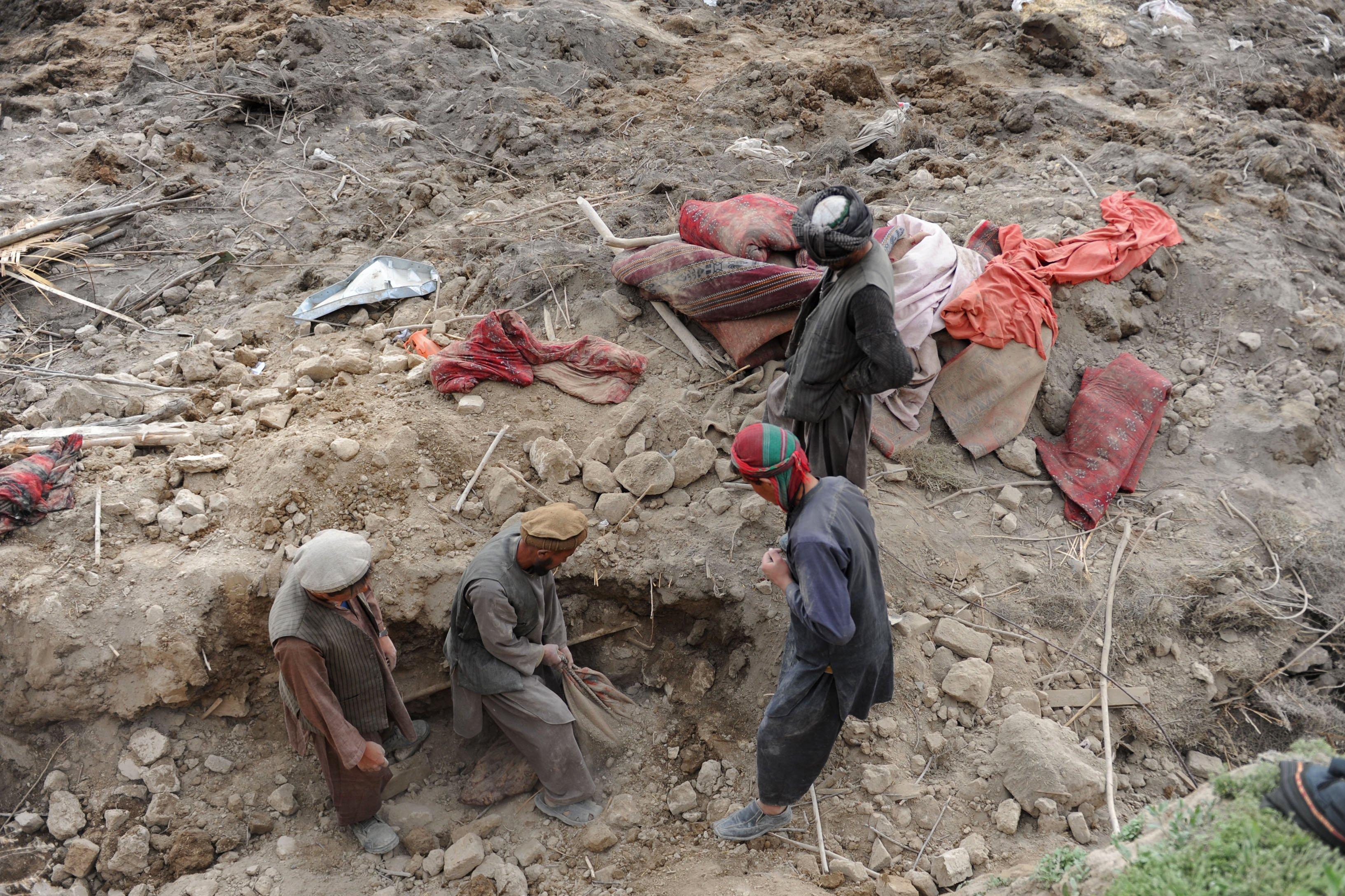 Hiện trường vụ lở đất kinh hoàng ở Afghanistan khiến hơn 2.100 người chết 1