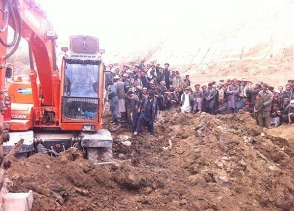 Hiện trường vụ lở đất kinh hoàng ở Afghanistan khiến hơn 2.100 người chết 11