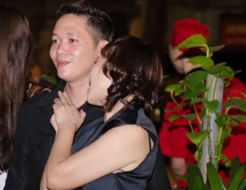 Sau 1 thời gian dài tìm hiểu Khánh Linh đã đủ vững tin để đi đến quyết định lên xe hoa với bạn trai mới.q