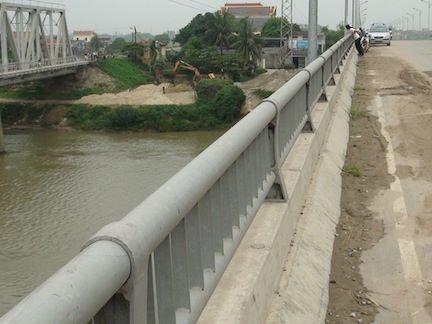 Bắc Ninh: Tìm thấy xác nữ sinh nhảy cầu tự tử 4