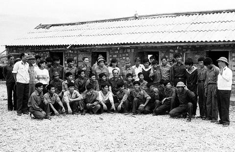 Bộ ảnh vô giá về cuộc sống và chiến đấu ở Trường Sa năm 1988 11