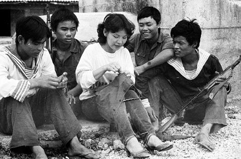 Bộ ảnh vô giá về cuộc sống và chiến đấu ở Trường Sa năm 1988 24
