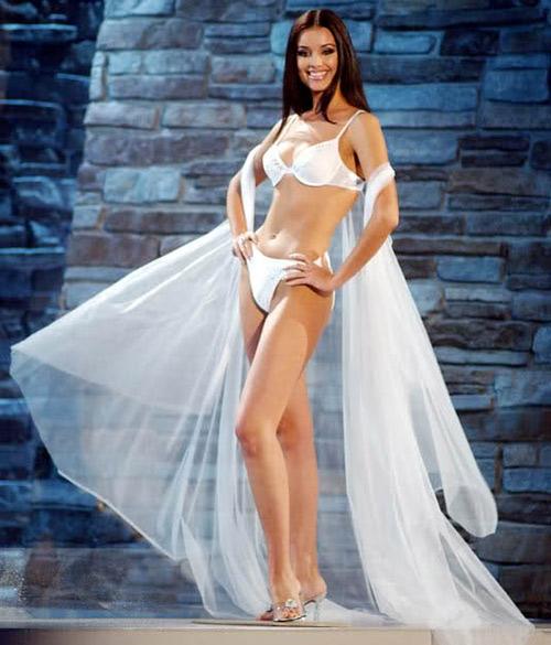 """""""Đã mắt"""" ngắm dàn hoa hậu mặc bikini gợi cảm nhất trong lịch sử 6"""