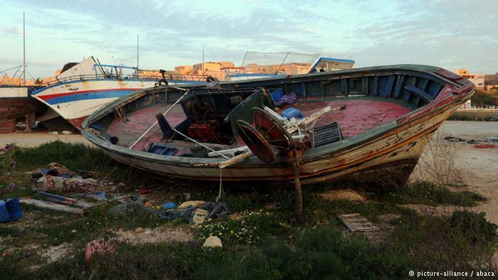 Tàu chở 400 người chìm ngoài khơi Địa Trung Hải 5