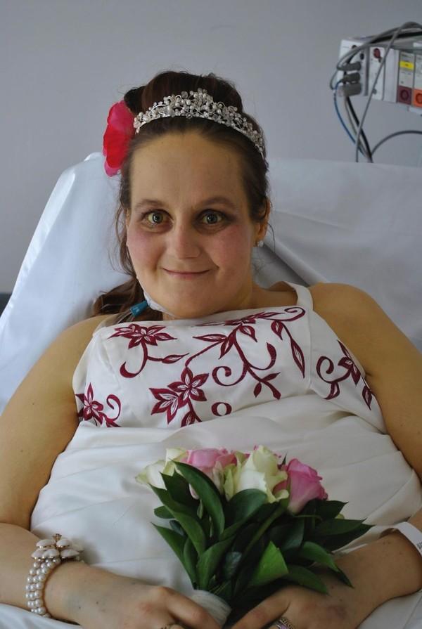 Rơi nước mắt lễ cưới trong bệnh viện của cô dâu ung thư giai đoạn cuối 6