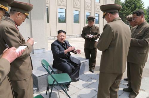 Kim Jong-un thị sát lực lượng Không quân Triều Tiên 10