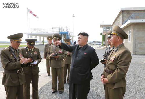 Kim Jong-un thị sát lực lượng Không quân Triều Tiên 11