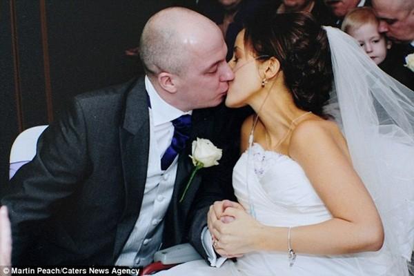 Rơi nước mắt lễ cưới trong bệnh viện của cô dâu ung thư giai đoạn cuối 9