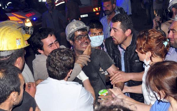 Đám tang tập thể đẫm nước mắt của gần 300 thợ mỏ Thổ Nhĩ Kỳ 6