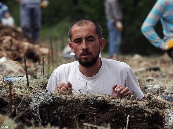 Đám tang tập thể đẫm nước mắt của gần 300 thợ mỏ Thổ Nhĩ Kỳ 12