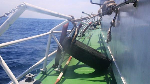 Cận cảnh tàu CSB Việt Nam bị tàu Trung Quốc đâm 13