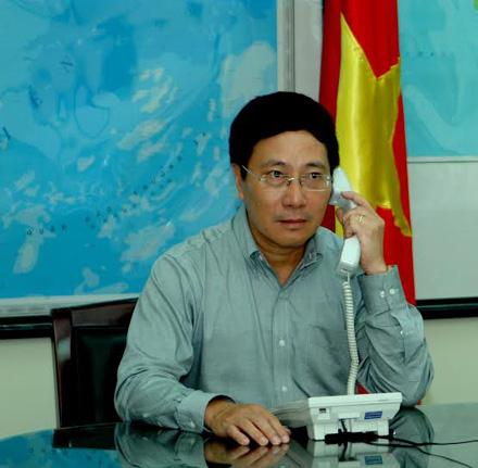 Phó thủ tướng VN điện đàm với Bộ trưởng Ngoại giao TQ về vụ giàn khoan 5