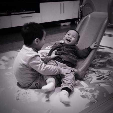 3 nhóc tì đẹp như thiên thần nhà MC Phan Anh 9
