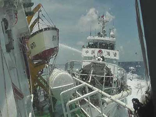 Tàu hải cảnh TQ đâm va khiến tàu Kiểm ngư Việt Nam bị móp mạn 5
