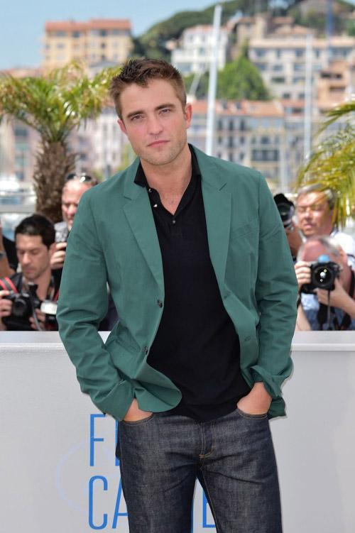 17 siêu sao hành động cưỡi xe tăng lên thảm đỏ Cannes  11