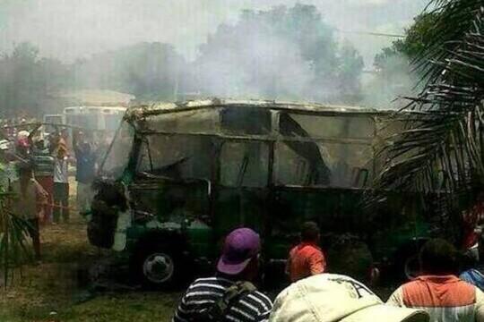 Cháy xe buýt, 31 học sinh thiệt mạng 4