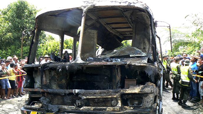 Hơn 30 trẻ em bị thiêu cháy trong xe bus 6