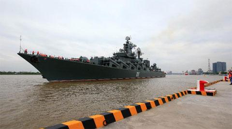 'Sát thủ tàu sân bay' Nga cập bến Thượng Hải, chuẩn bị tập trận chung với TQ 8