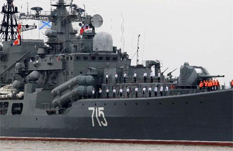 'Sát thủ tàu sân bay' Nga cập bến Thượng Hải, chuẩn bị tập trận chung với TQ 11