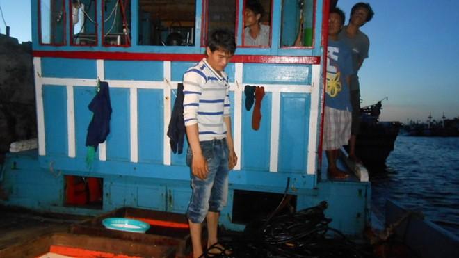Cập nhật tình hình biển Đông: Tàu Trung Quốc dùng vòi rồng, chủ động đâm tàu CSB Việt Nam 6
